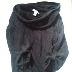 Kenneth Cole sweater xs